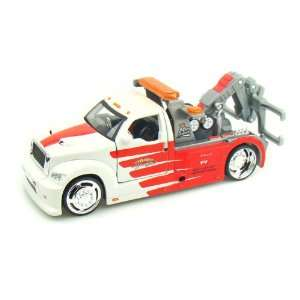 Wrecker 1/25 White / Red Tow Truck Toys & Games