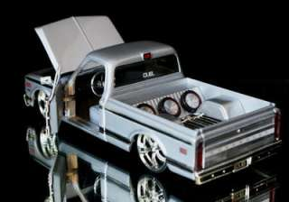 1972 Chevy Cheyenne Pickup DUB CITY Diecast 124 Scale   Silver