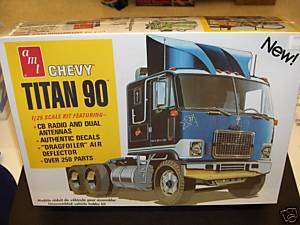 AMT 1/25 CHEVY TITAN 90 MODEL KIT RIG SEMI TRUCK MAC