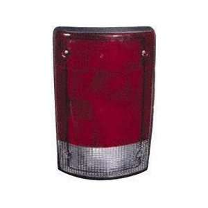95 03 FORD ECONOLINE VAN e150 e250 e350 e450 TAIL LIGHT LH